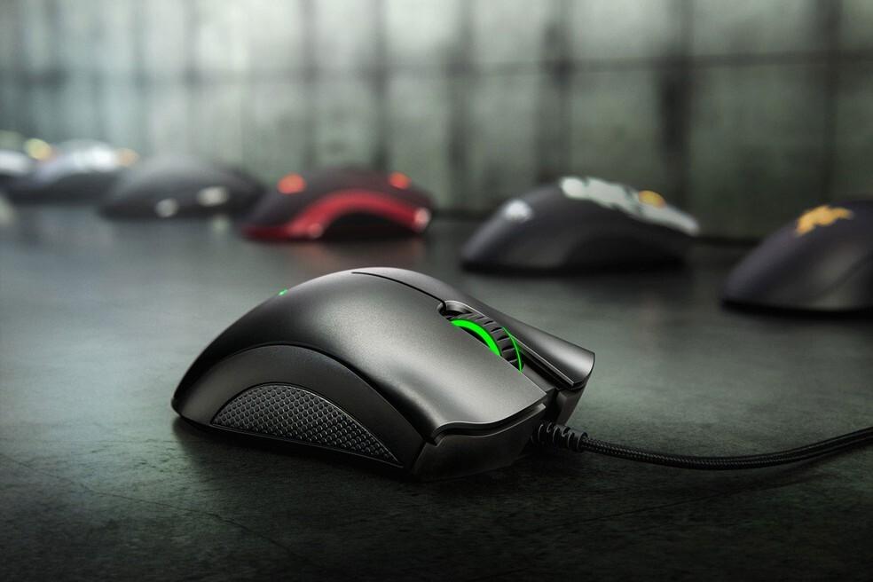 Um dos mouses mais populares do universo gamer, o Razer DeathAdder Essential custa R$ 132,29 na promoção