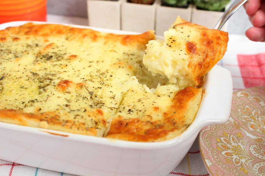 Batata 4 queijos em camadas