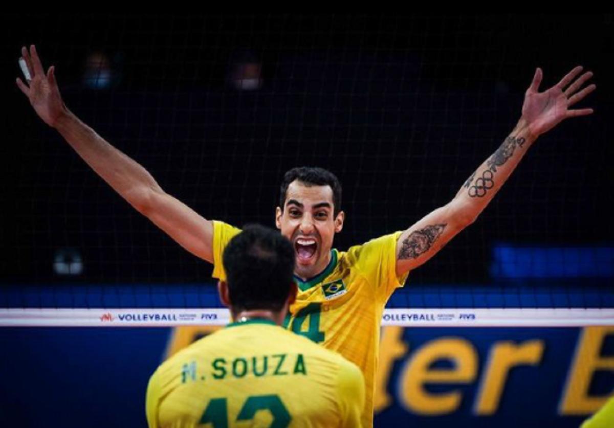 Jogador de vôlei Douglas Souza viraliza mostrando bastidores das Olimpíadas