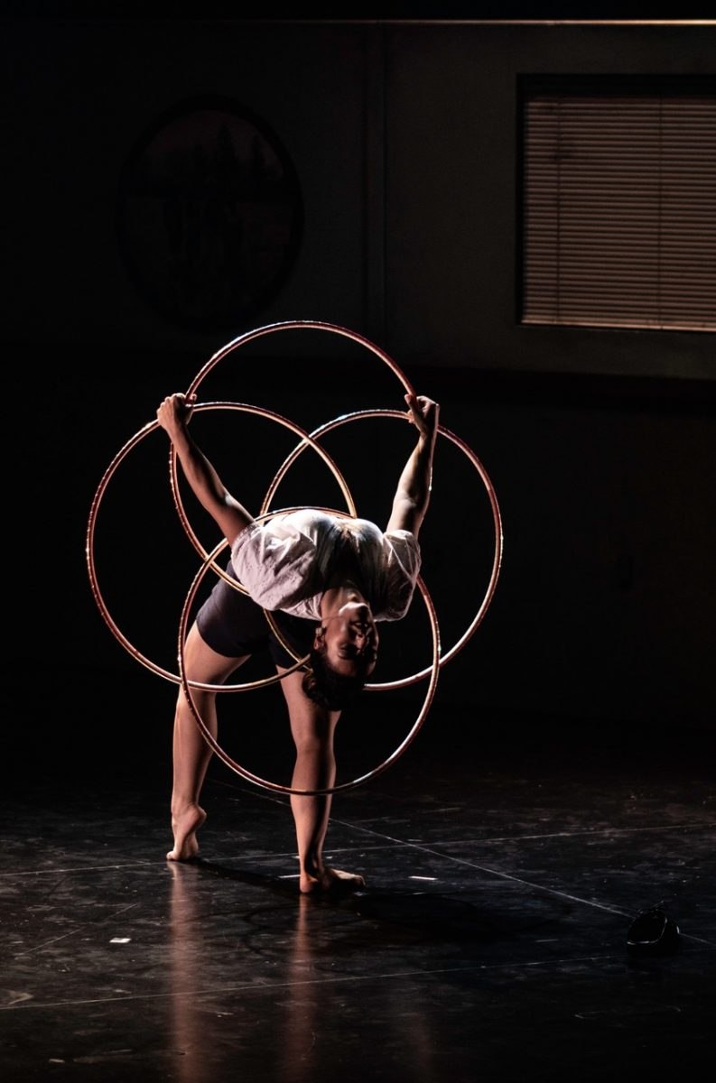 Méliejade Tremblay Bouchard, bambolê, circo