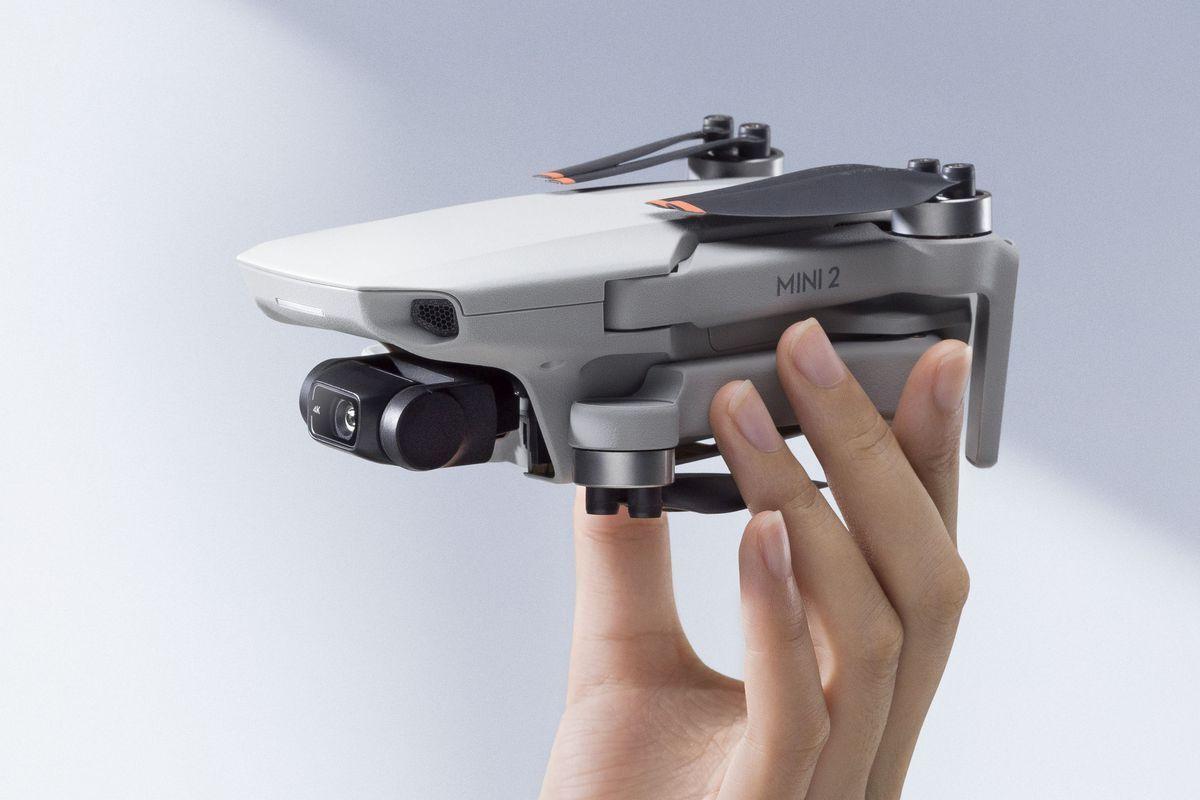 O drone DJI Mini 2 que está com o valor de R$ 2.592,90 na promoção do AliExpress