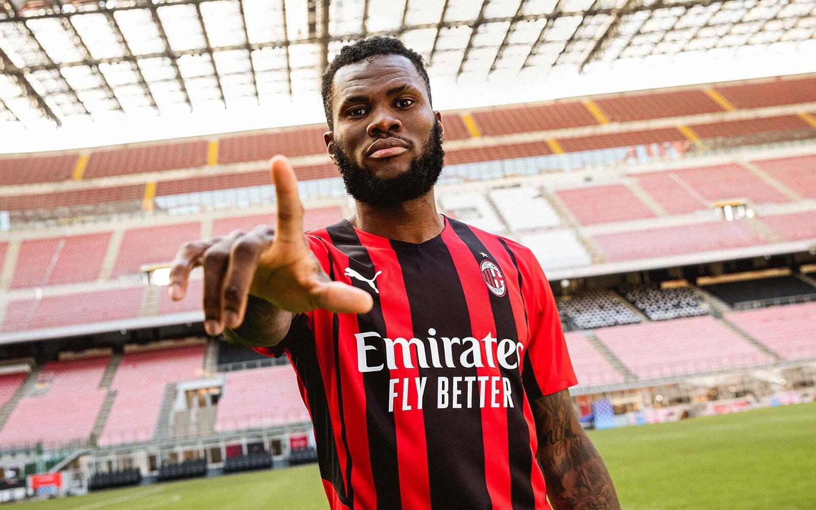 De acordo com informações divulgadas pelo diário Gazzetta dello Sport, desta vez o Paris Saint-Germain (PSG) está interessado em Franck Kessié, que atualmente defende o Milan