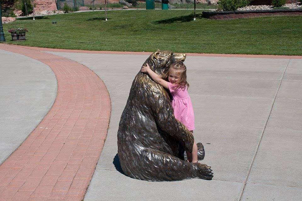 crianças esculturas