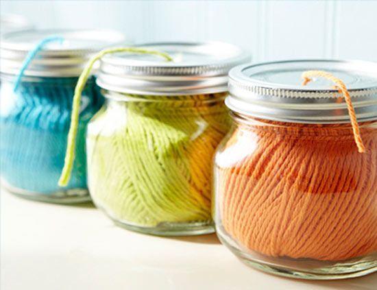 Faça você mesmo: 25 ideias para transformar os potinhos de vidro vazios em objetos úteis na sua casa