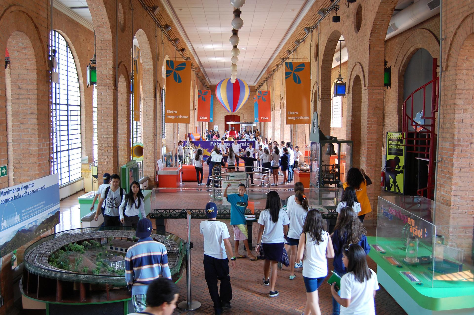 Entre 18 e 23 de outubro, o Catavento será tomado por atividades para estimular nas crianças a curiosidade pela ciência.