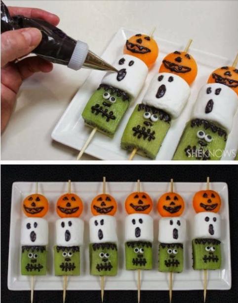 Kiwi, marshmallow e cenouras redondas com olhos e bocas pintadas para fazer a diversão na criançada.