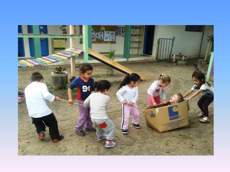Cada escola tem liberdade para a construção deste espaço, de acordo com suas possibilidades financeiras.
