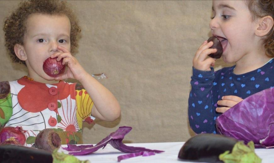 """O experimento """"Linguagens da comida"""" foi feito com crianças de dois e três anos."""
