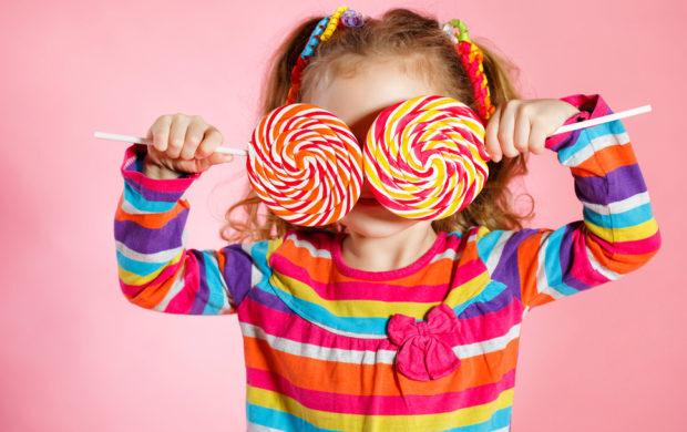 As regras da alimentação impostas pelos pais devem ser respeitadas por todos que têm contato com a criança.