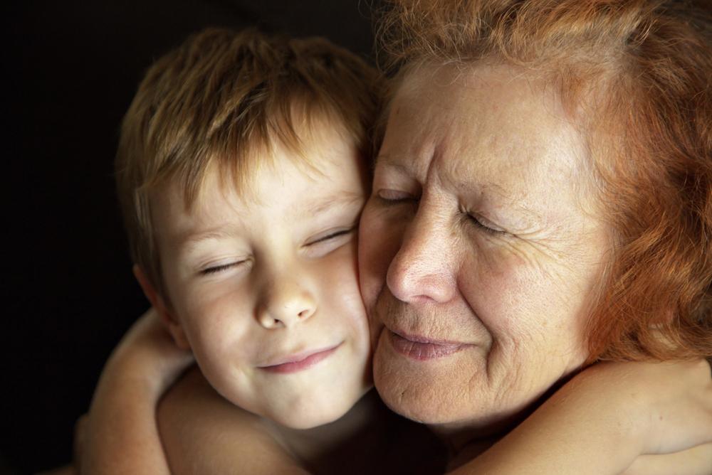 Ciência comprova o benefício da relação entre avós e netos
