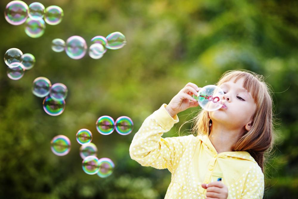 Brincar livre é ter liberdade de ser criança.