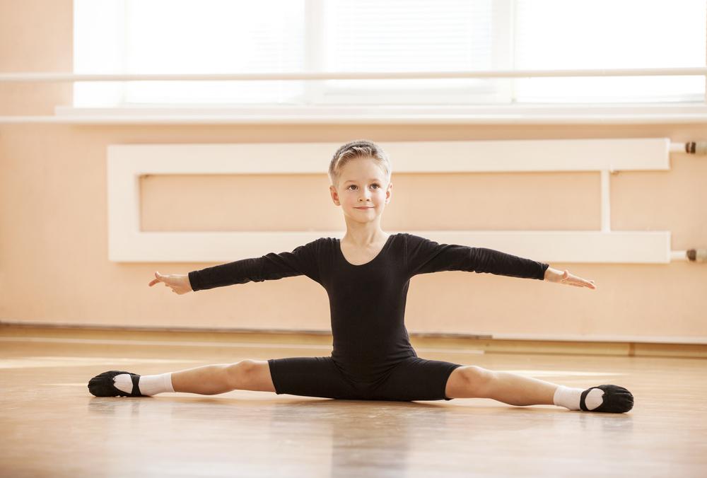 A primeira turma especialmente voltada para meninos foi criada com o intuito de incluir esse público e diminuir o preconceito em torno da dança masculina.