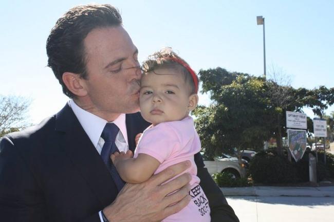 """""""Papai, mais uma foto de beijinho? Sério?"""""""