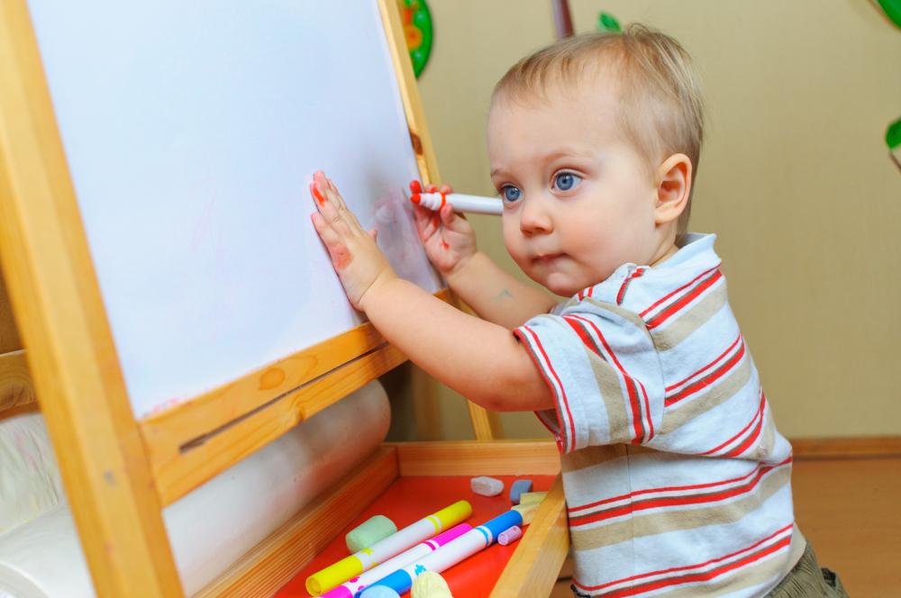 """O pedagogo Paulo Fochi faz um alerta: por mais importante que seja a primeira infância, """"é preciso dar tempo para os bebês serem bebês""""."""