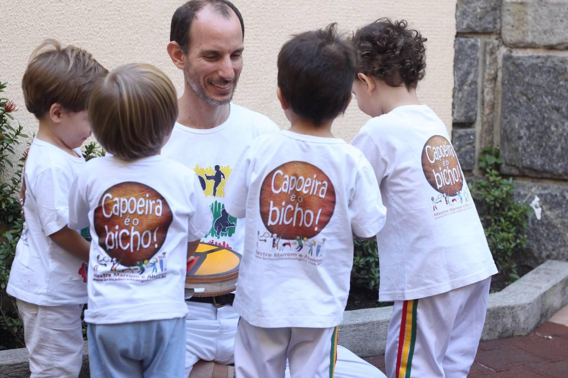 eb6a8865bc519 Capoeira na escola é uma janela para a desconstrução do racismo
