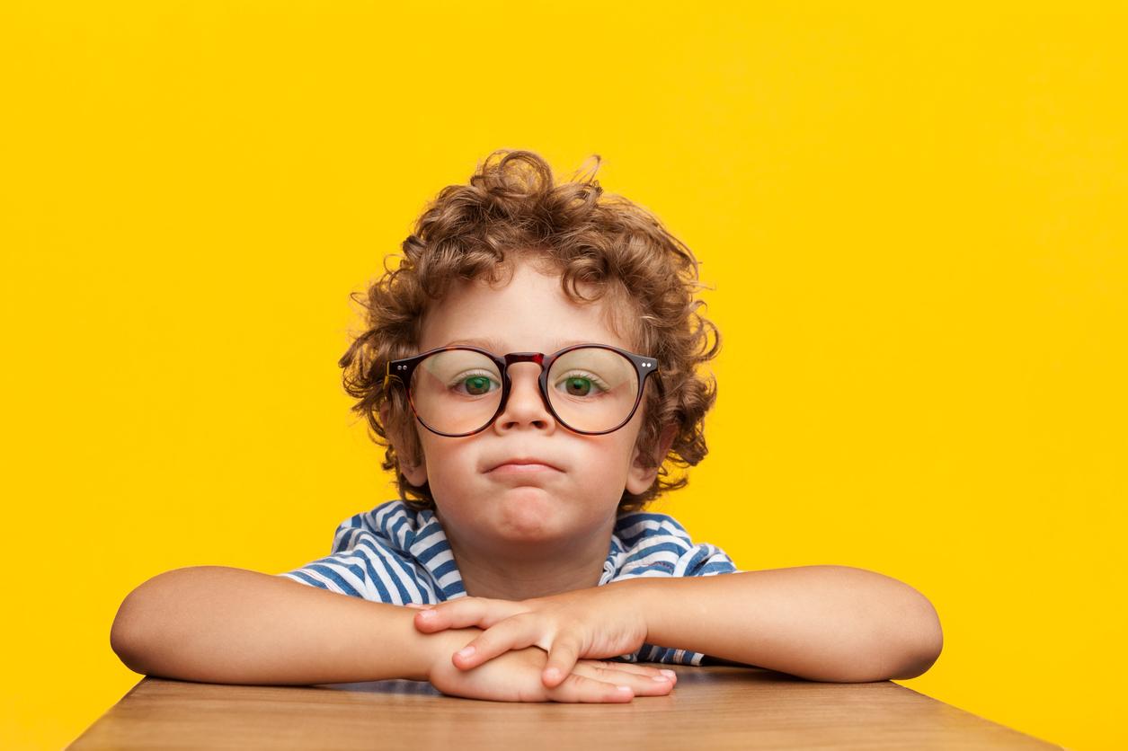 966524a58 Cerca de 20% das crianças em idade escolar apresentam algum problema de  visão – a miopia é a campeã. O médico ainda ressalta que nem sempre é preciso  usar ...