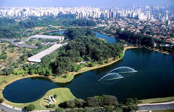 Vista aérea do parque do Ibirapuera, na zona sul de São Paulo