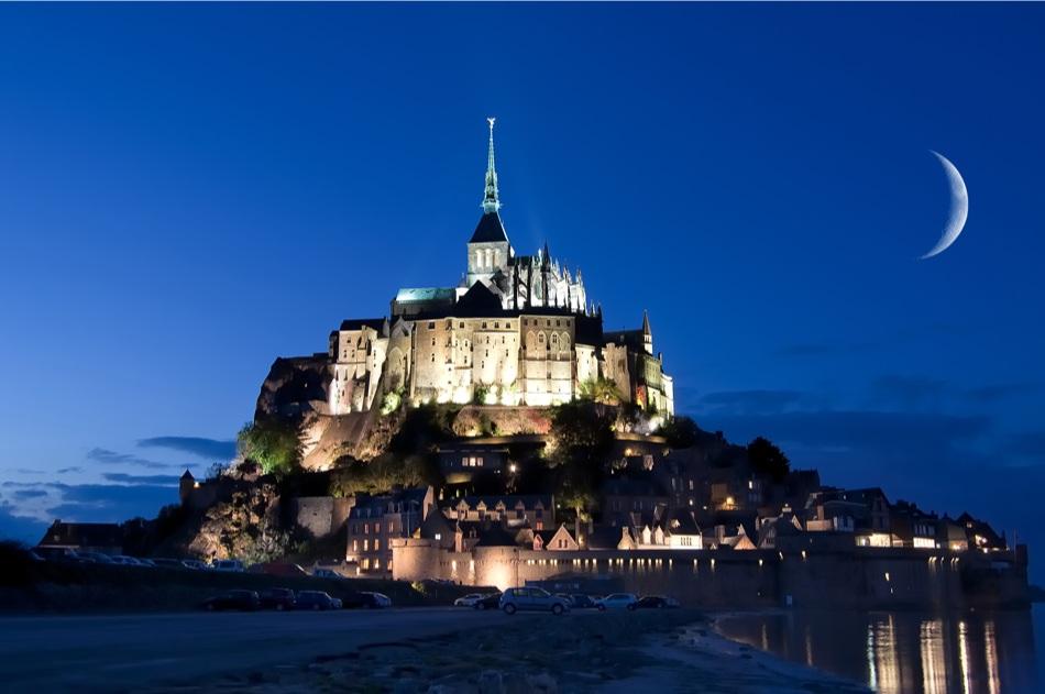 Mont saint michel tem duas grandes mar s previstas para mar o for I murales piu belli del mondo