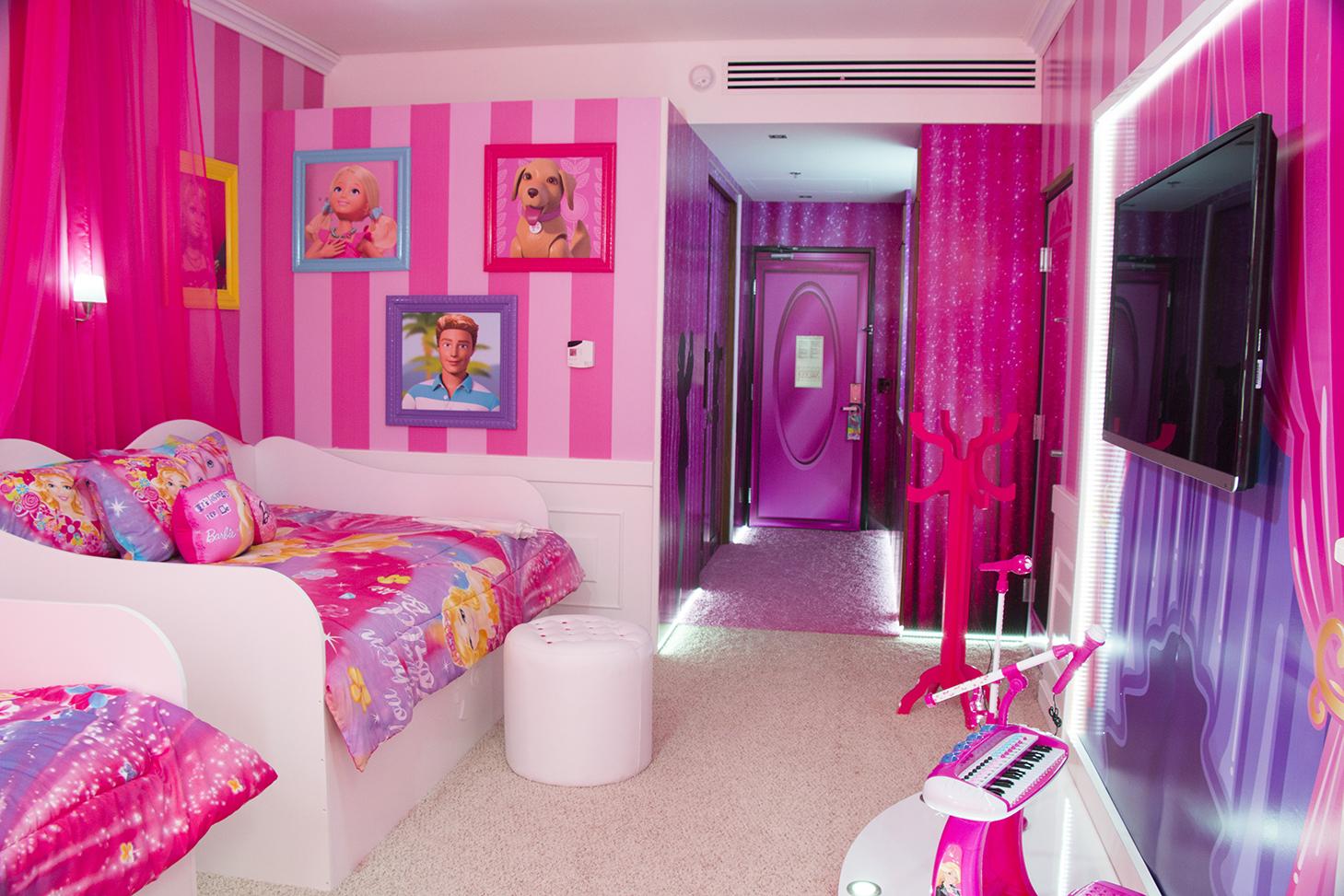 Hotel no México tem quarto inspirado na boneca Barbie #C1084D 1459x973 Acessorios Banheiro Hotel