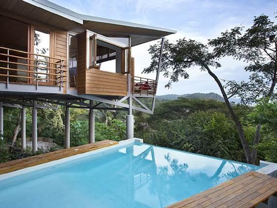 Dez casas para alugar com piscinas espetaculares for Piscina santa teresa