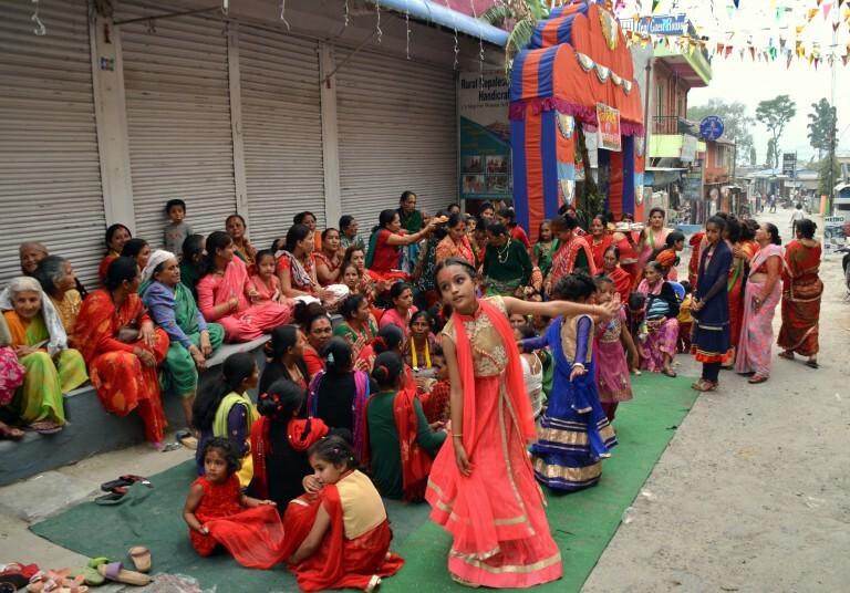 Festa de casamento em Phokara