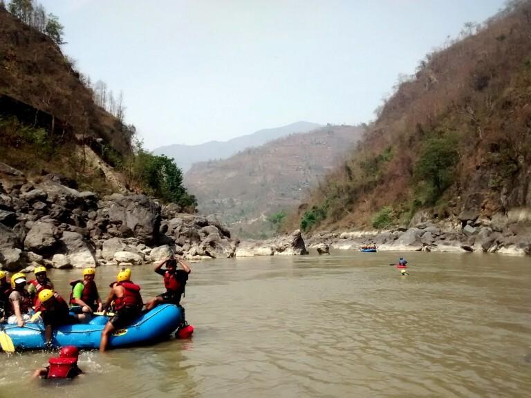 è possível praticar rafting em diversos rios do país