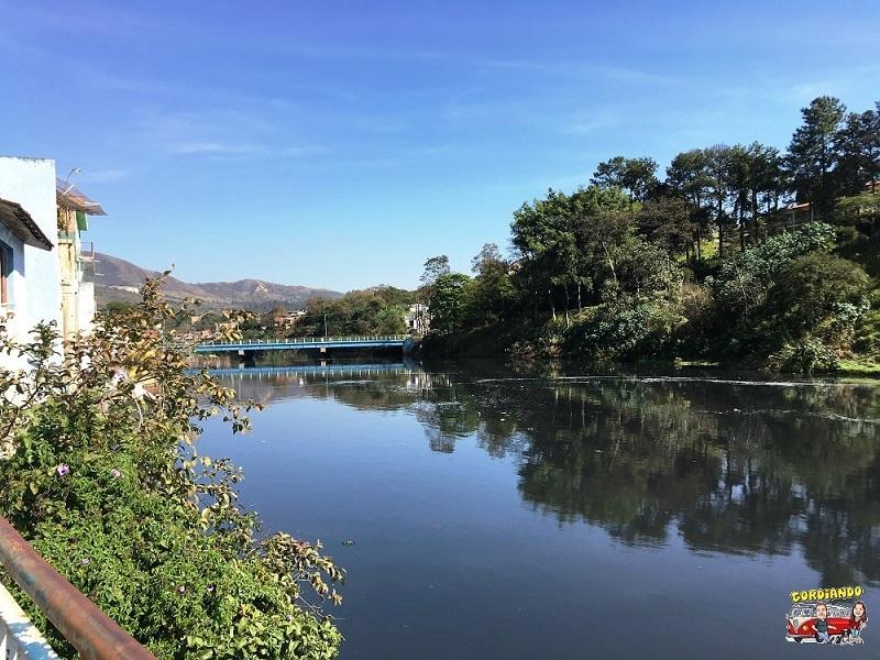 O rio Tietê passa por Pirapora do Bom Jesus