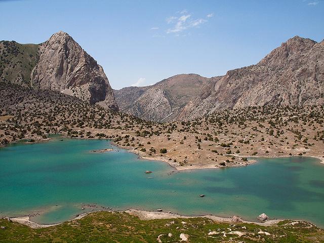 Lago Kulikalon no Tajiquistão