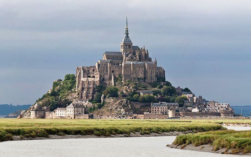 Mont Saint Michel. (Fonte: Wikimedia Commons)