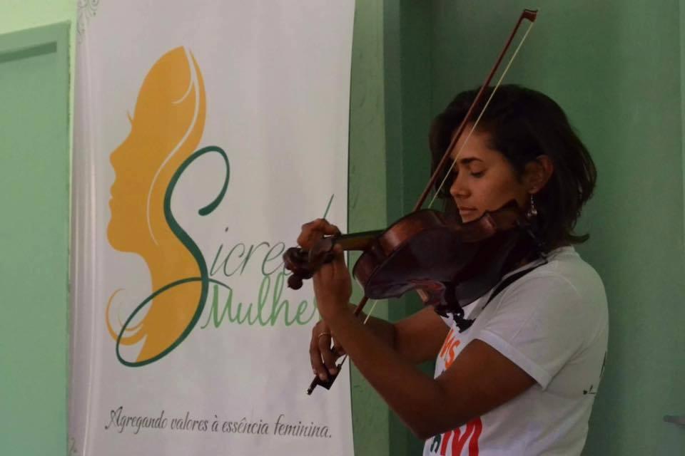 Oficinas de saúde e bem-estar para mulheres em parceria com o Sicredi