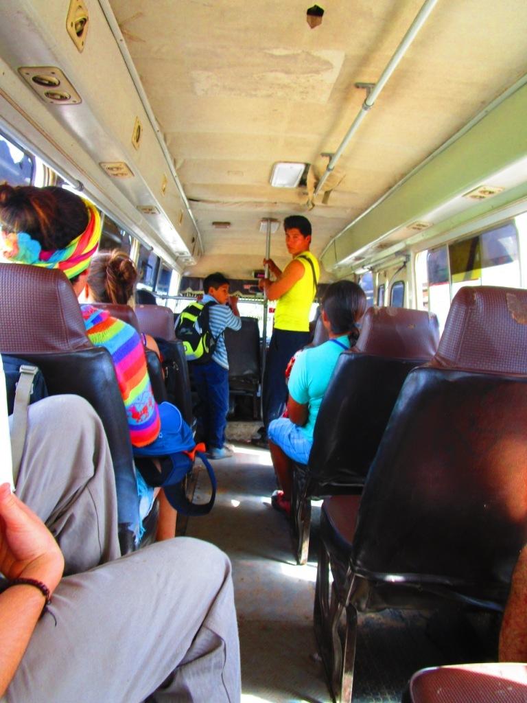 Viajando de ônibus no Peru