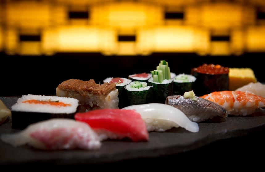 No Japão, o Sushise come com a mão