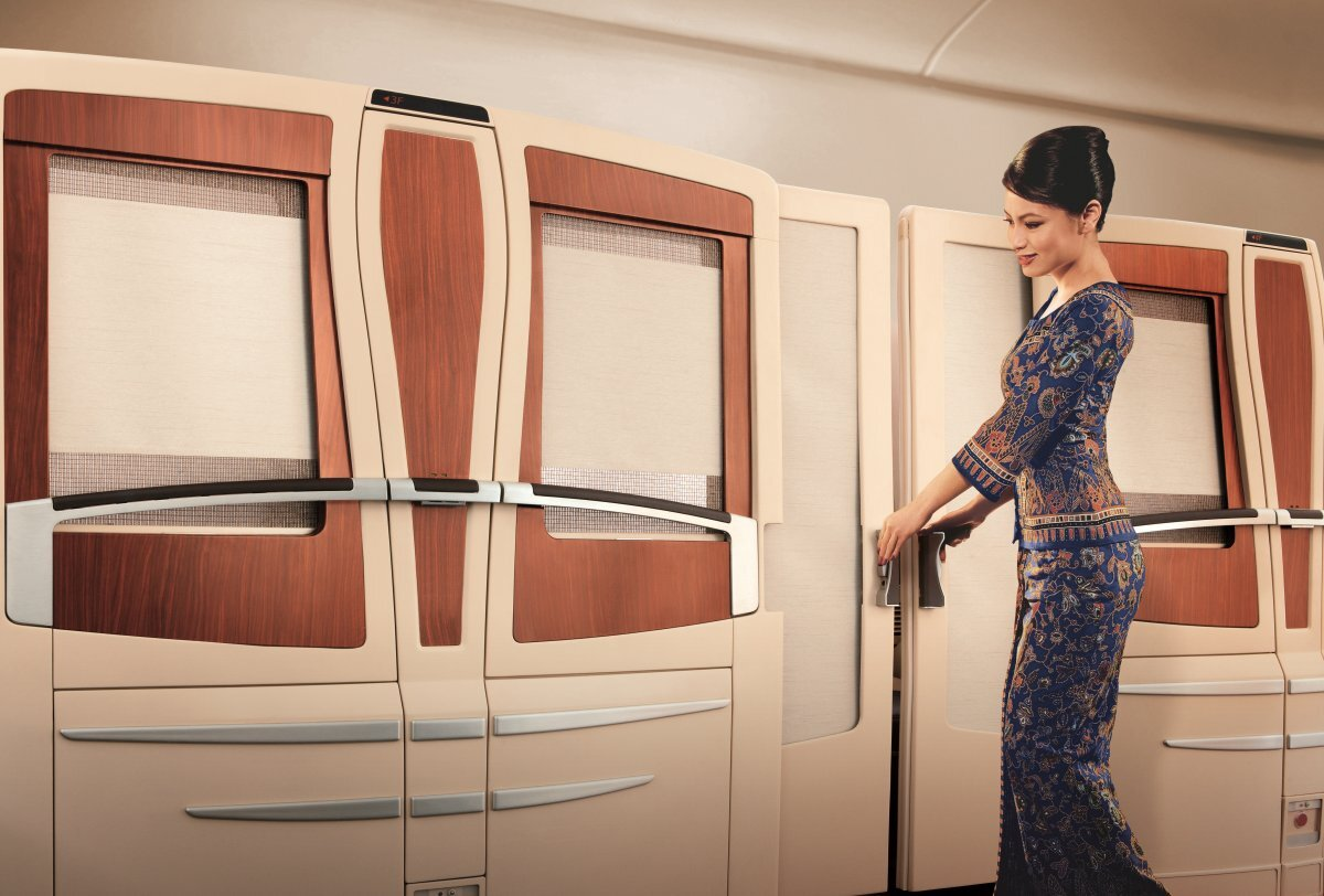 singapore-airlines-is-famous-for-its-insane-suites-which-were-designed-by-french-luxury-yacht-designer-jean-jacques-coste-they-can-only-be-found-on-a380s