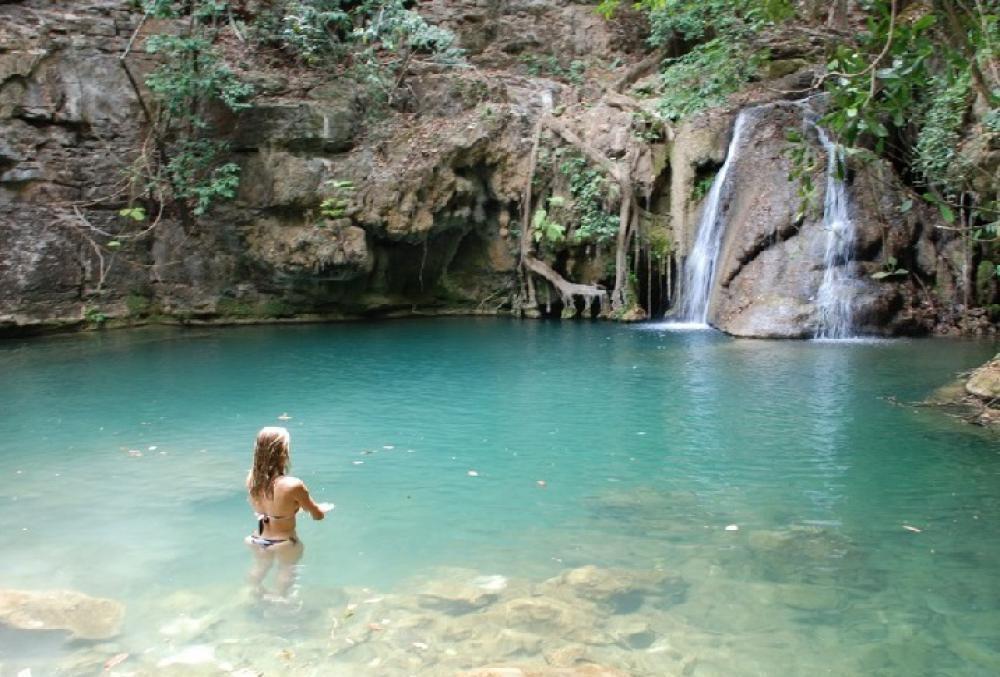 Vista da cachoeira Poço Azul