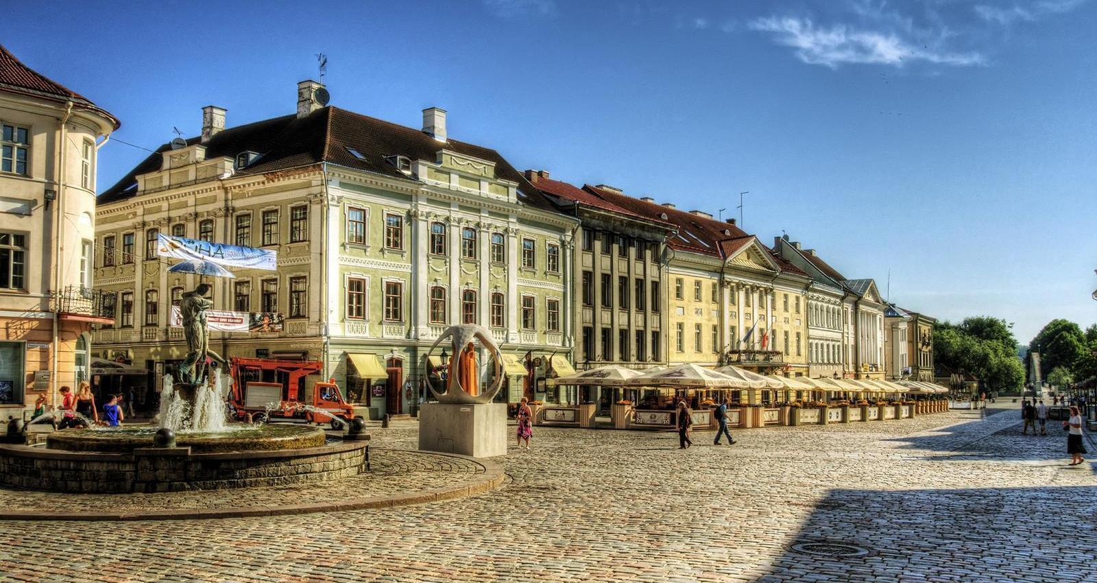 03_where_to_go_south_estonia_tartu_by_neil_howard