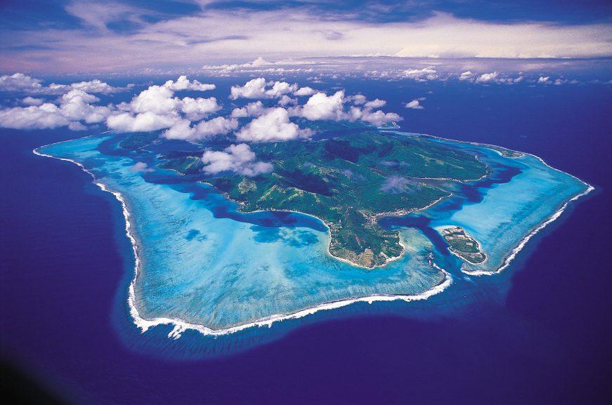 Vida real – vista aérea de Huahine, na Polinésia Francesa