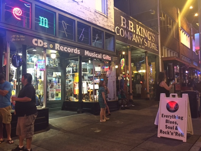 Tudo gira em torno da música em Beale Street