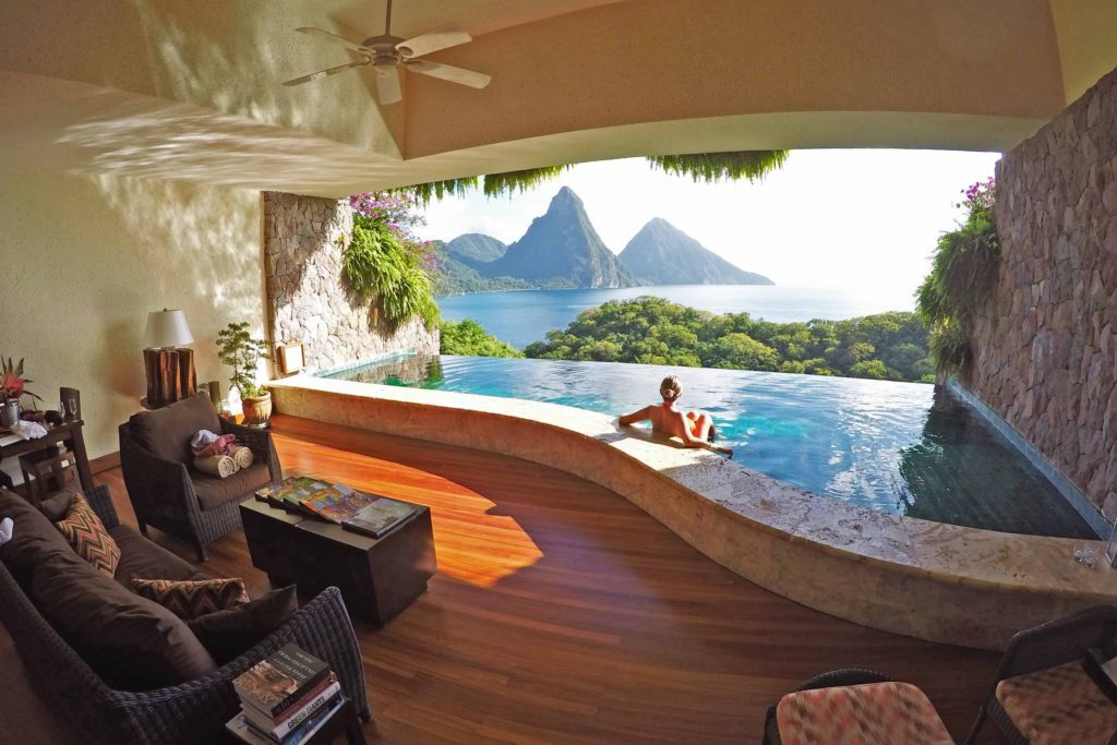 Quartos sem janelas e cortinas - Hotel Jade Mountain