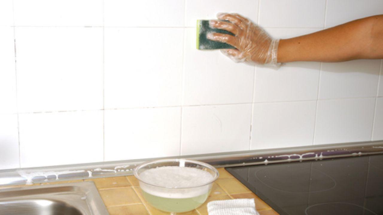 Solu o econ mica para renovar os azulejos do banheiro ou for Cubrir azulejos cocina