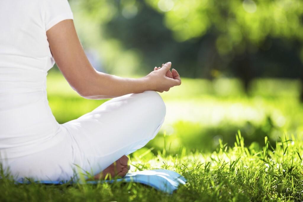 Yoga, meditação e jardinagem podem efetivamente aliviar o estresse e aumentar a saúde geral do corpo