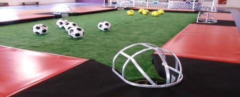 Modalidade mescla futebol e sinuca oferecendo diversão e lazer para pessoas de todas as idades