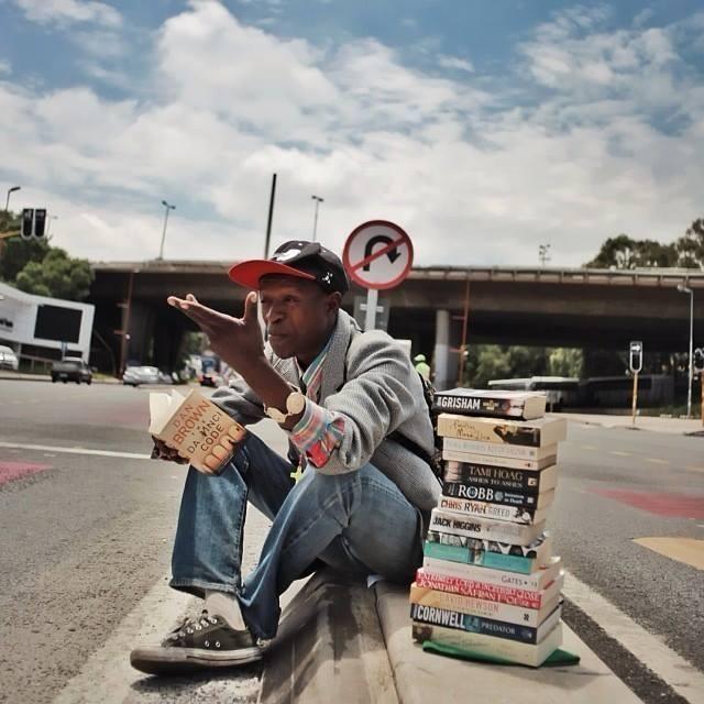 Morador de rua comenta sobre o livro