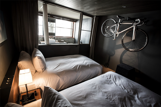hotelcycle2