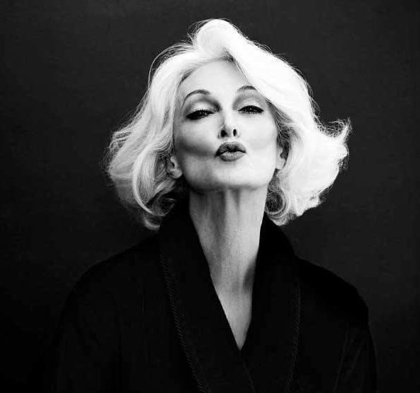 Modelo de 83 anos é destaque em Semana de Moda