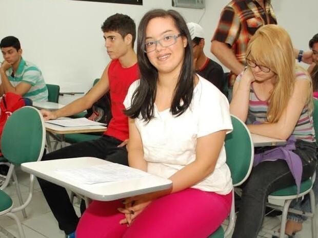 Paraibana Talita Alves tem síndrome de Down e cursa educação física (Foto: Metódio Leitão / Ascom FIP)