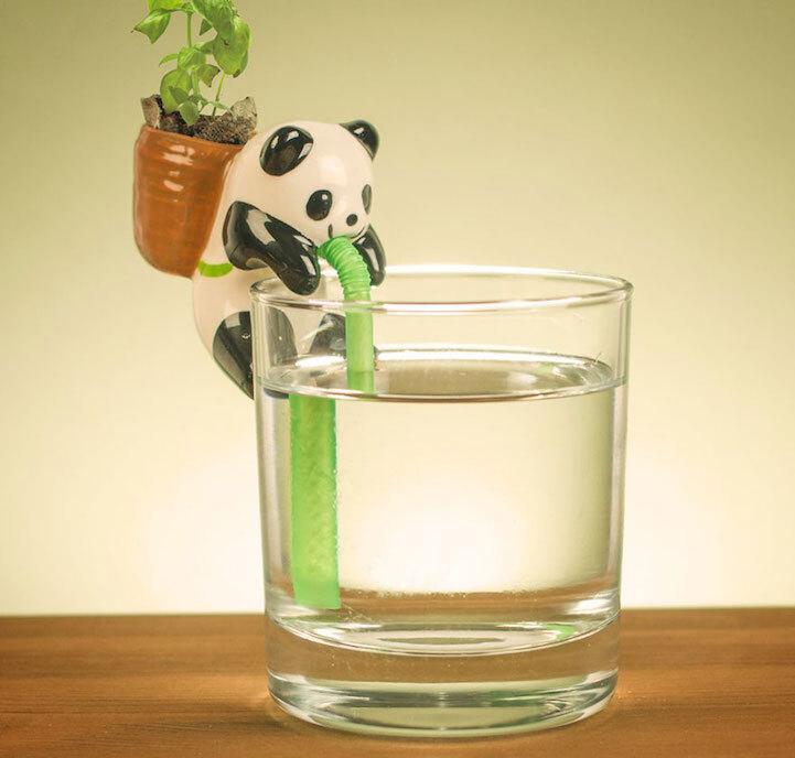 É o panda que vai regar a plantinha para você nessa invenção japonesa