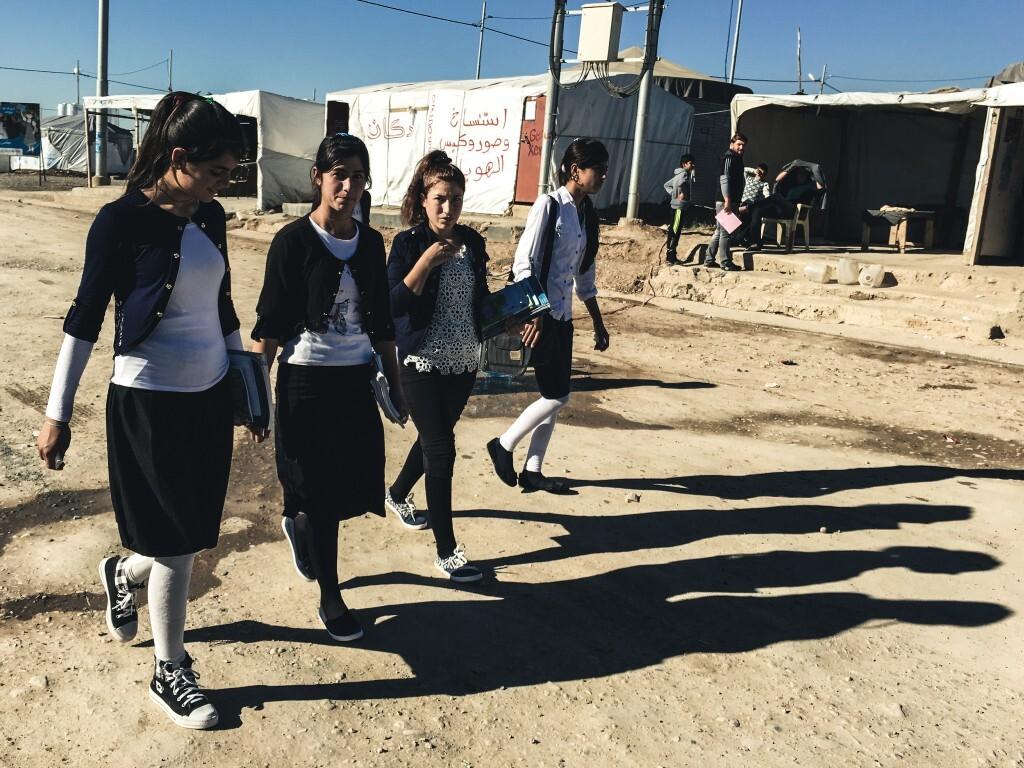Jovens da minoria religiosa Yazidi, vítimas do Estado Islâmico, em campo de refugiados do Curdistão Iraquiano