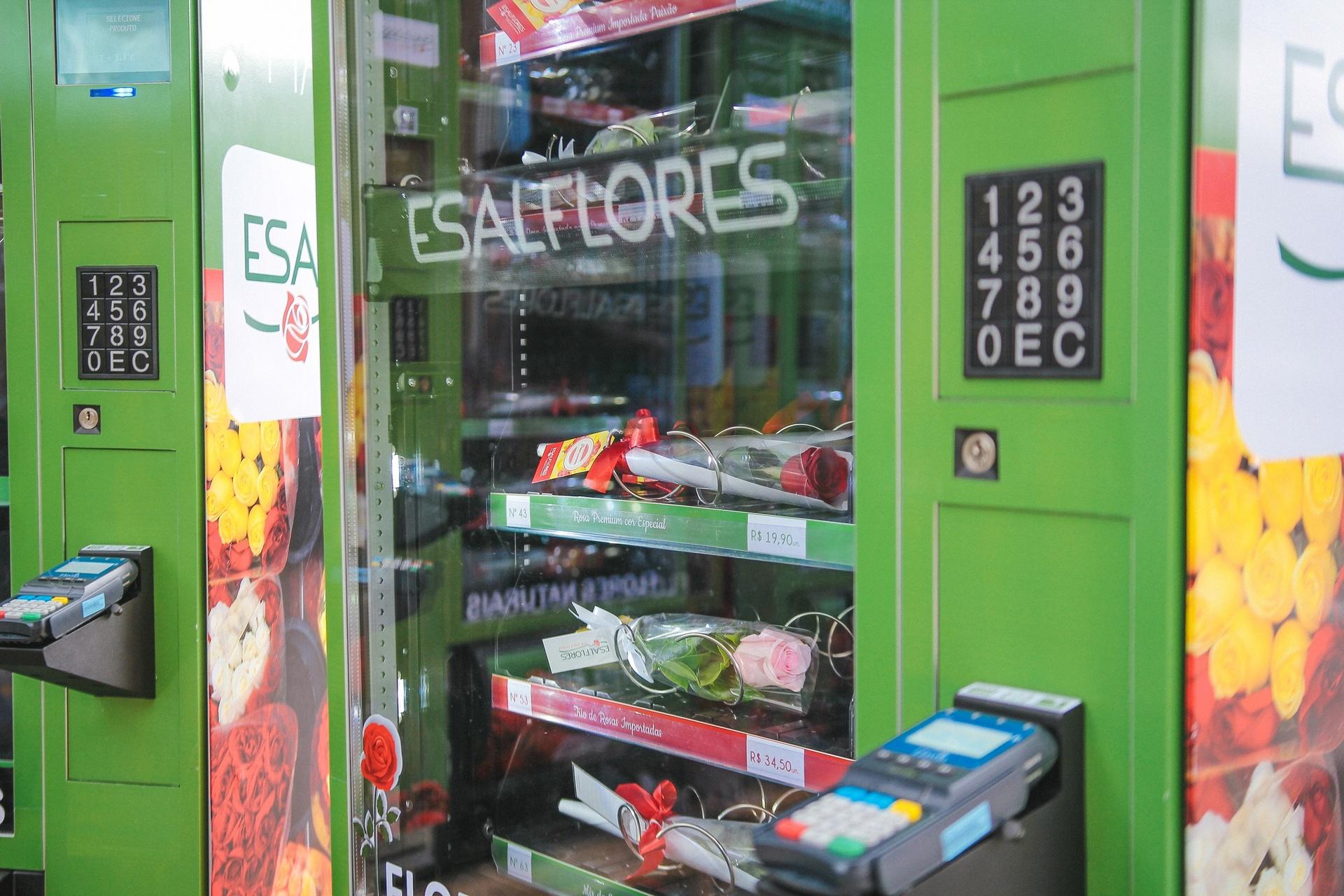 bd89b6dab85 A primeira máquina de flores da capital paulista foi instalada no aeroporto  de Congonhas