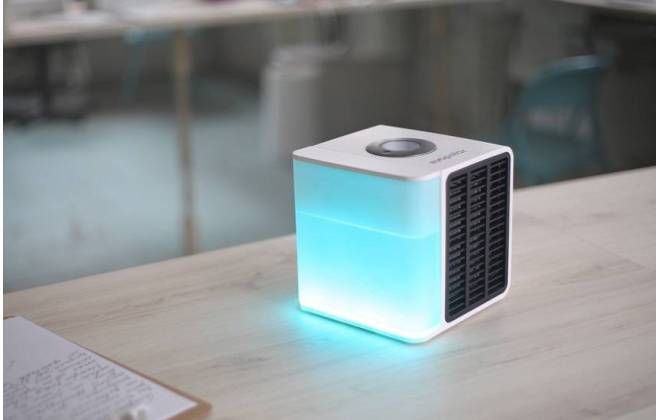 O Evapolar tem formato de caixa quadrada, pesa 1,6 kg e tem dimensões de 16 cm