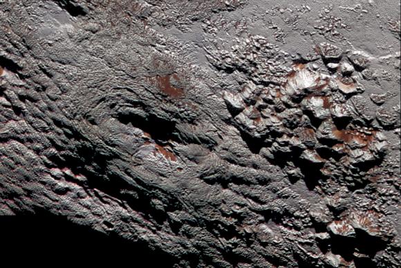 Sonda New Horizons sobrevoou o planeta e a sua maior lua, Caronte
